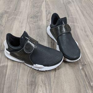 Nike Sock Dart Sneakers Size 7 Women's Black White
